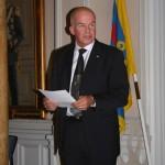 Ordföranden i Fältjägarföreningen i Östersund Åke Hjelm håller tal till FFjS