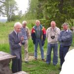 Fd regementschefen Sture Fornwall, fd stf regchefen Karl-Evert Englund, Arne Sjöblom, Björn Wallin och Sven Boman vid Fältjägarstugan. Foto 2006-06-18.