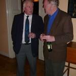 Ralf Holmlin och Harald C Sandberg i diskussion